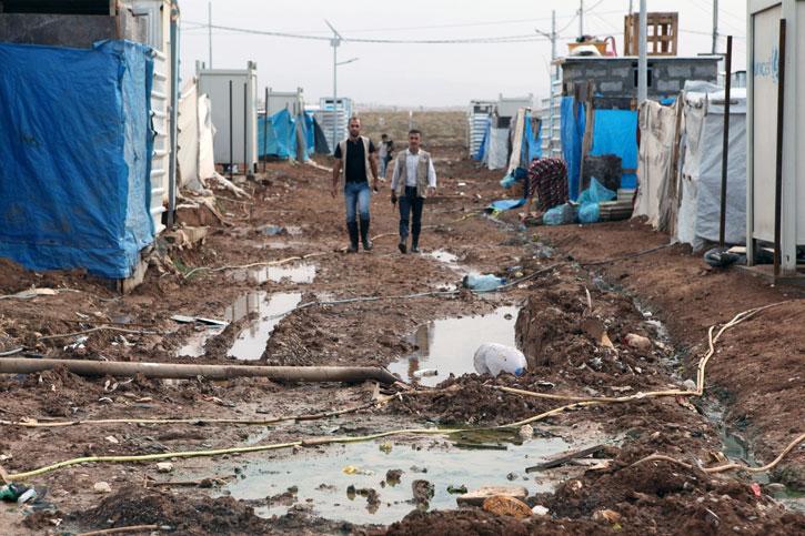 Im Flüchtlingscamp Kabartu I. im Nord-Irak sind die Menschen notdürftig in Zelten untergebracht.
