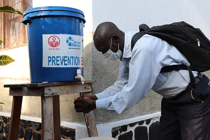 Handwascheinrichtung im Kongo
