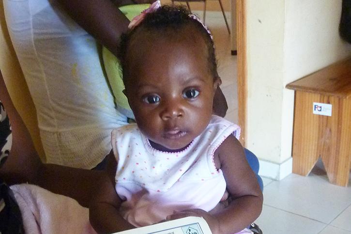 Baby Niska beim Impftermin